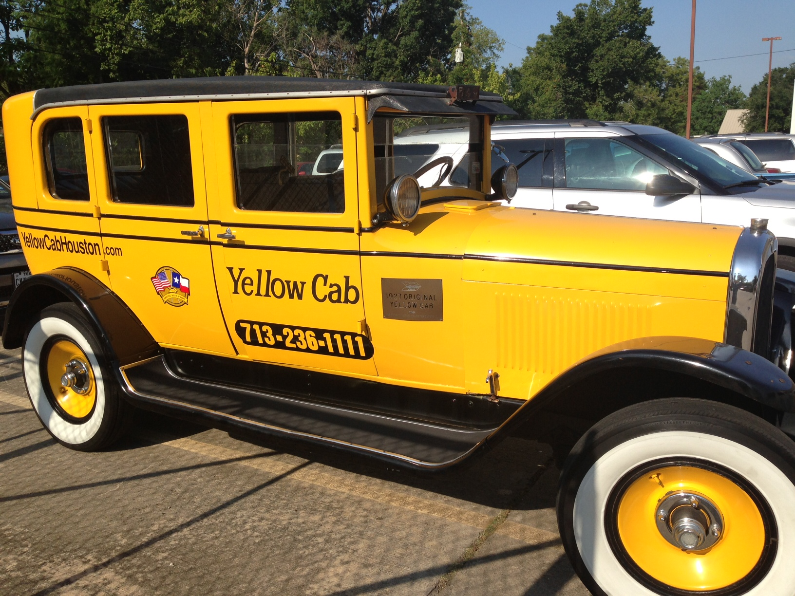 Rotary club of houston skyline yellow cab houston for Schuhschrank yellow cab